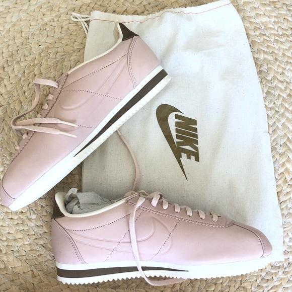 cheap for discount 8191c 8c32d NWT Nike x Maria Sharapova Cortez light pink NWT